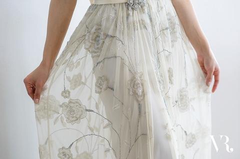 vicky-rowe-wedding-dress-ria-mishaal-photography-06