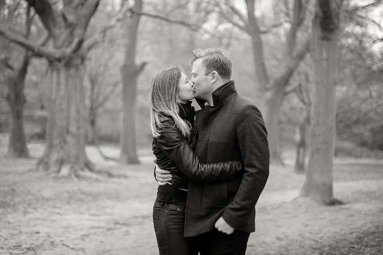 hampstead-heath-engagement-shoot-abi-tom_ria-mishaal-photography_006