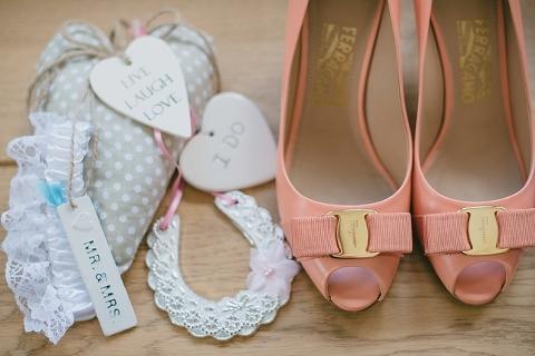 wiltshire-garden-wedding-hannah-joe_ria-mishaal-photography-003