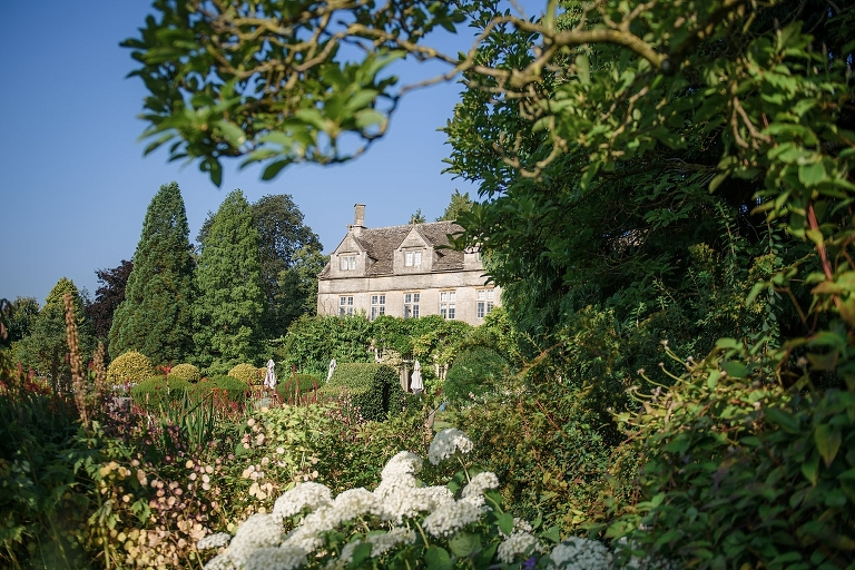 midsummer-barnsley-house-wedding_ria-mishaal-photography_001