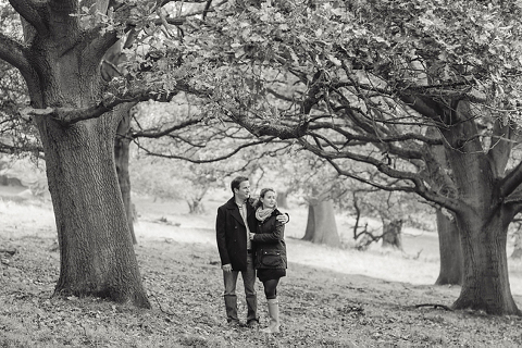 richmond-park-engagement-shoot-hannah-olly-ria-mishaal-photography-03