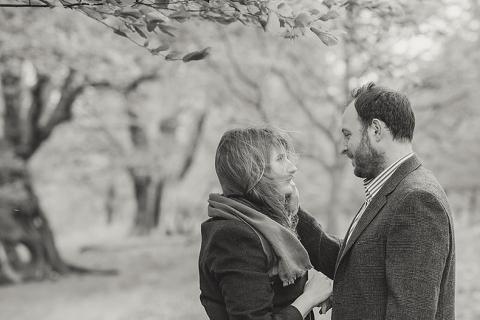 richmond-park-engagement-shoot-ingrid-stu_ria-mishaal-photography-005